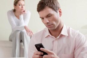 Что делать, если муж изменяет в интернете