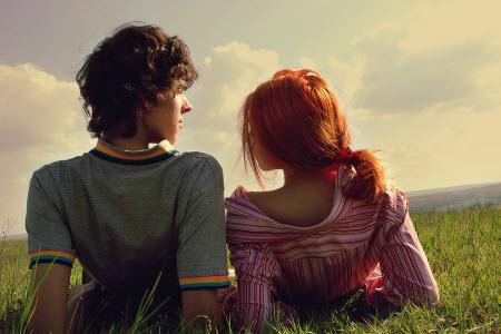 Как узнать, что парень тебя любит в 18 лет