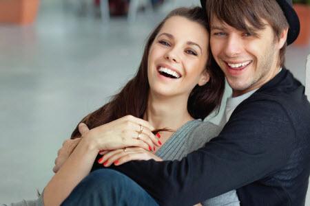 Как поднять настроение парню - результативные способы
