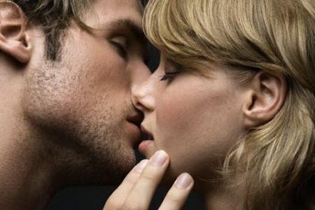 как научиться целоваться с языком