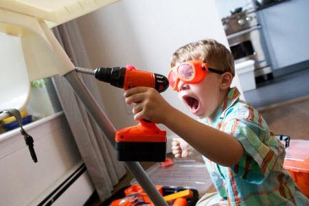 Как мстить соседям по квартире снизу?