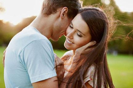 Какое поведение у влюбленного мужчины